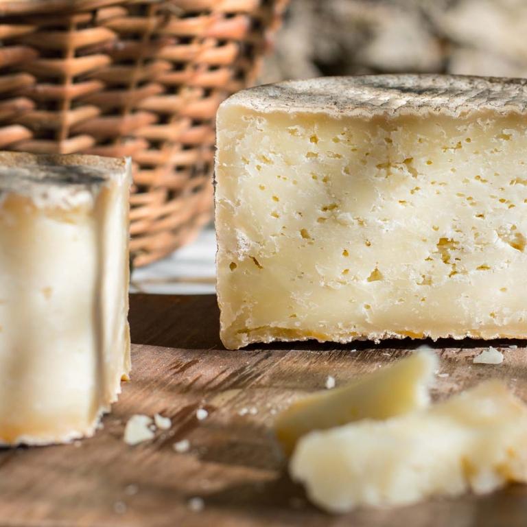 Agriristoro Antonič ceroglie assaggi formaggio pecora stagionato carso